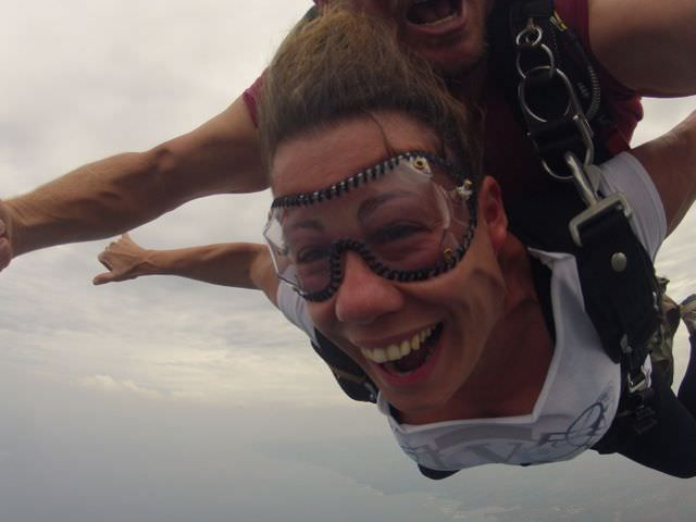 Skydive Hawaii jumping