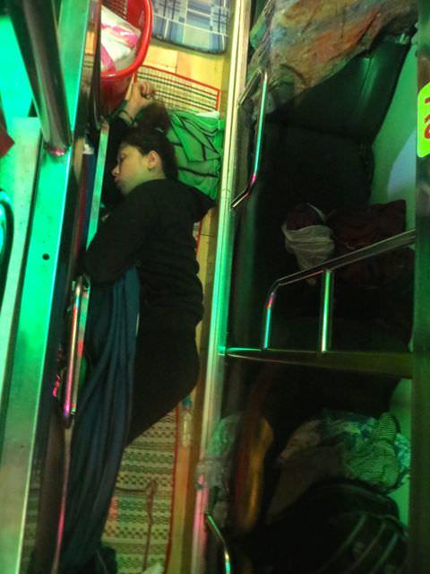 Bus Vietnam what to see in vietnam in 2 weeks
