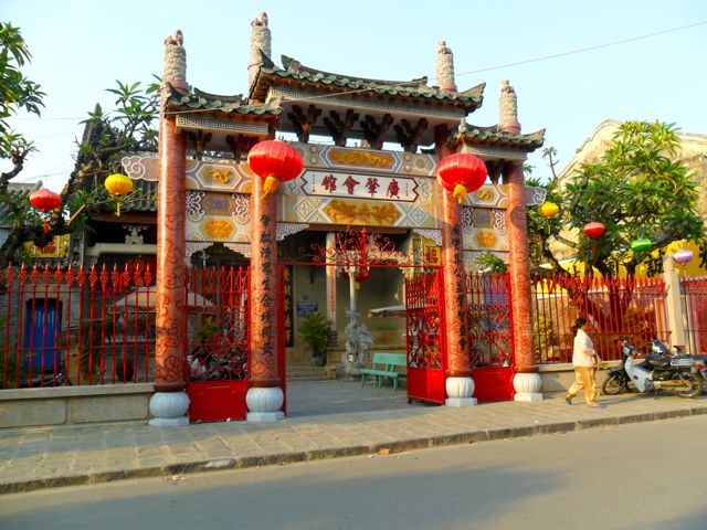 Hoi An Temple what to see in vietnam in 2 weeks