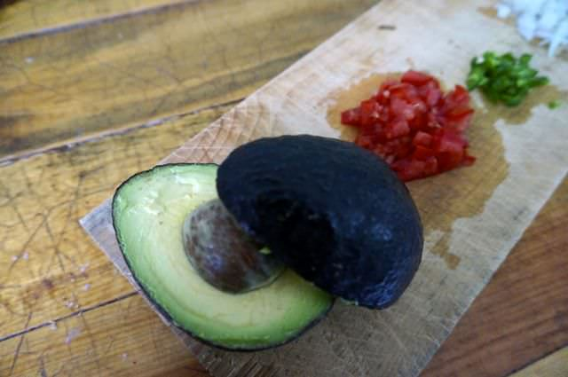 Quick and Easy Guacamole Recipe 3