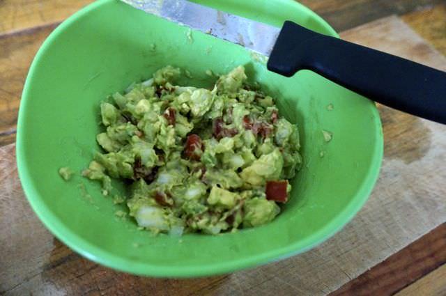 Quick and Easy Guacamole Recipe 7