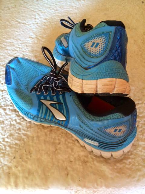 Best Shoes for travelling Running Shoes