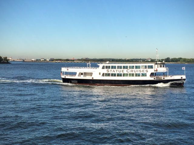 how-to-visit-the-statue-of-liberty-statue-cruises-ferry