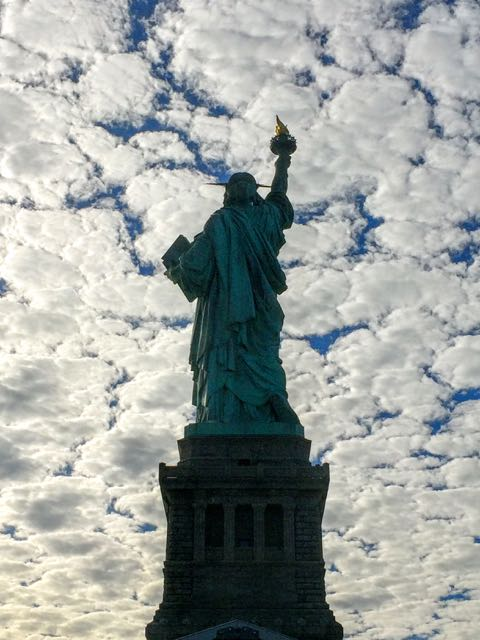 how-to-visit-the-statue-of-liberty-back