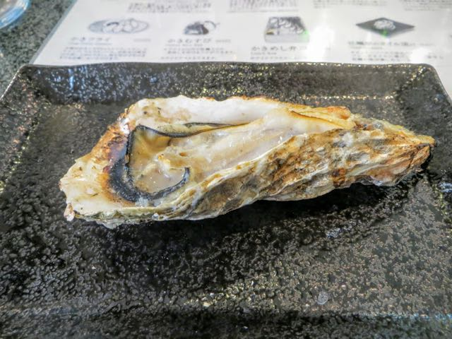 what to eat in Japan barbecued oyster
