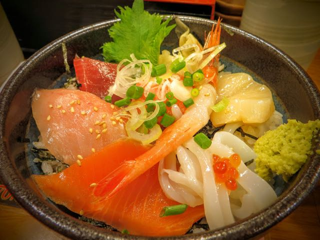 what-to-eat-in-japan-donburi