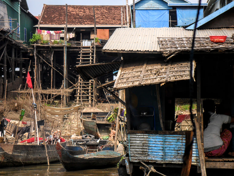 Tonle sap in Cambodia boats