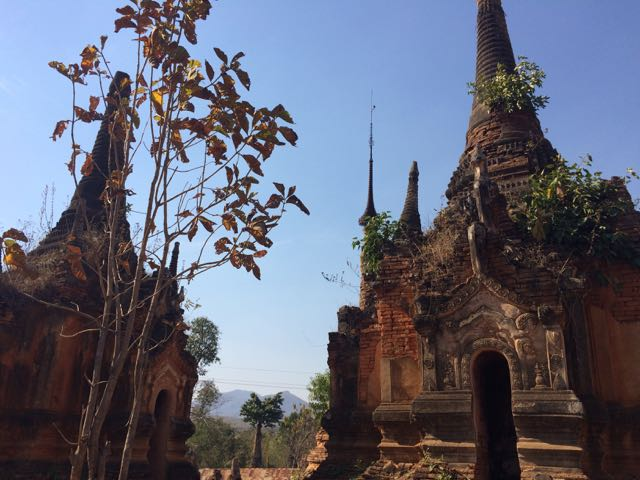 Inle Lake Tour Shwe Indein Pagoda ruins