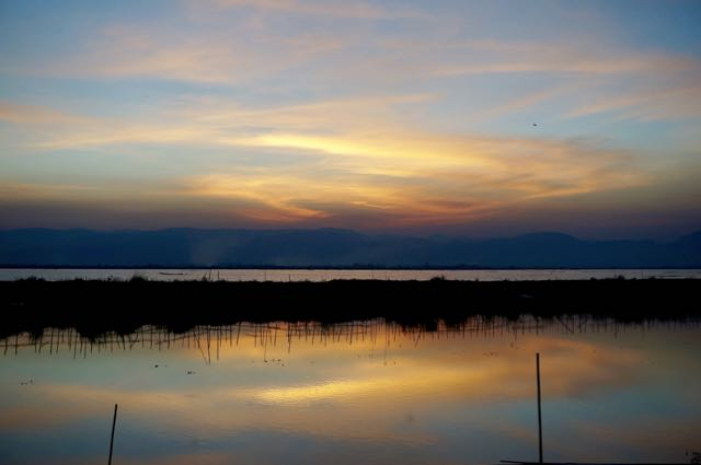 Inle Lake tour sunset on lake