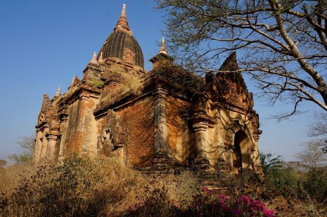 Things to do in Bagan - pagoda temple or stupor
