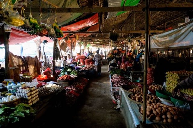 Things to do in Bagan - visit the local market