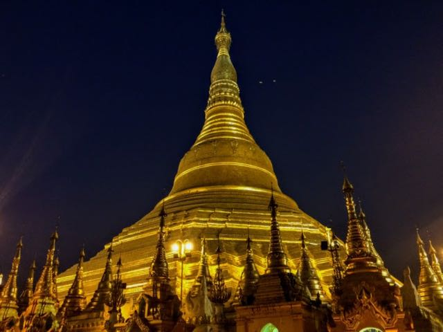 Things to do in Yangon Shwedagon Pagoda dusk