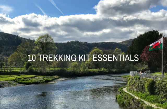 10 TREKKING KIT ESSENTIALS