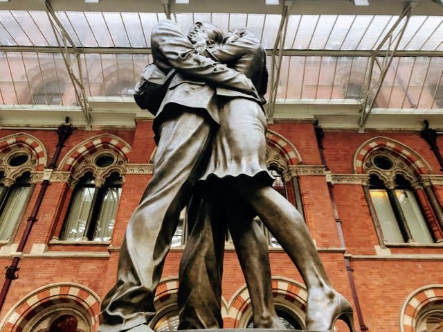 Things to do near kings cross St Pancras London - Meeting Place Statue