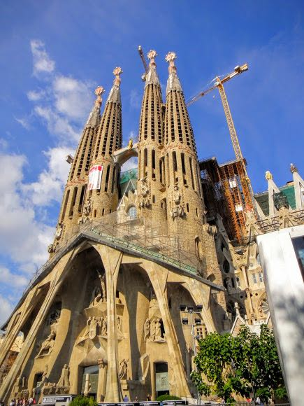 Best Cities with Beaches - Barcelona Sagrada Familia