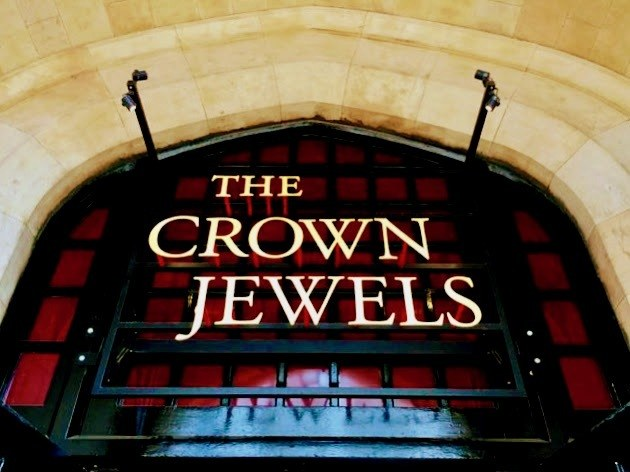 Entrance to Crown Jewels